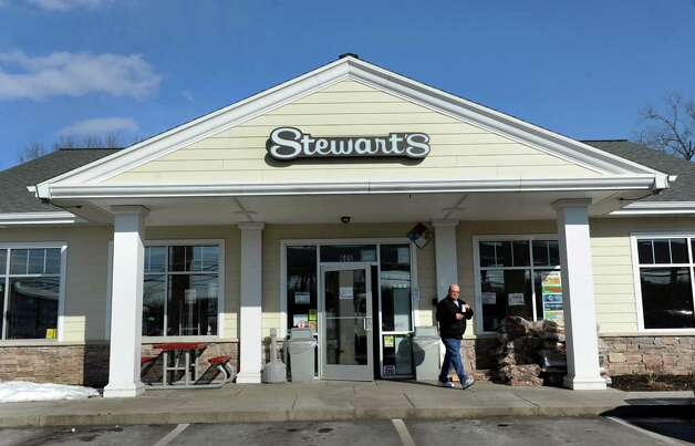 Stewart's to open new Guilderland shop announced on July 9, 2014.  Photo: Cindy Schultz / 00025898A