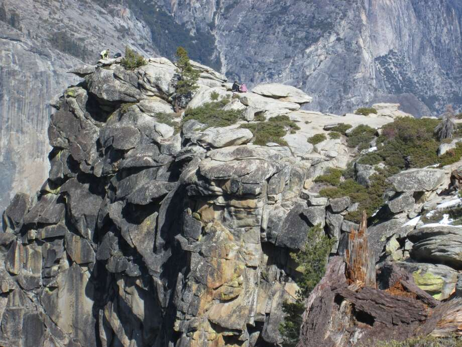 The final approach to 7,385-foot Dewey Point on the south rim above Yosemite Valley. Photo by Tom Stienstra/The Chronicle Photo: Tom Stienstra/The Chronicle