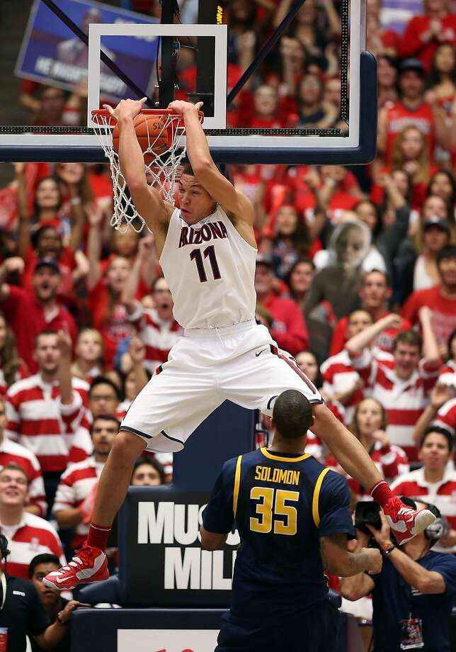Aaron Gordon, an Archbishop Mitty alumnus, slams one home against the Bears. Photo: Christian Petersen, Getty Images
