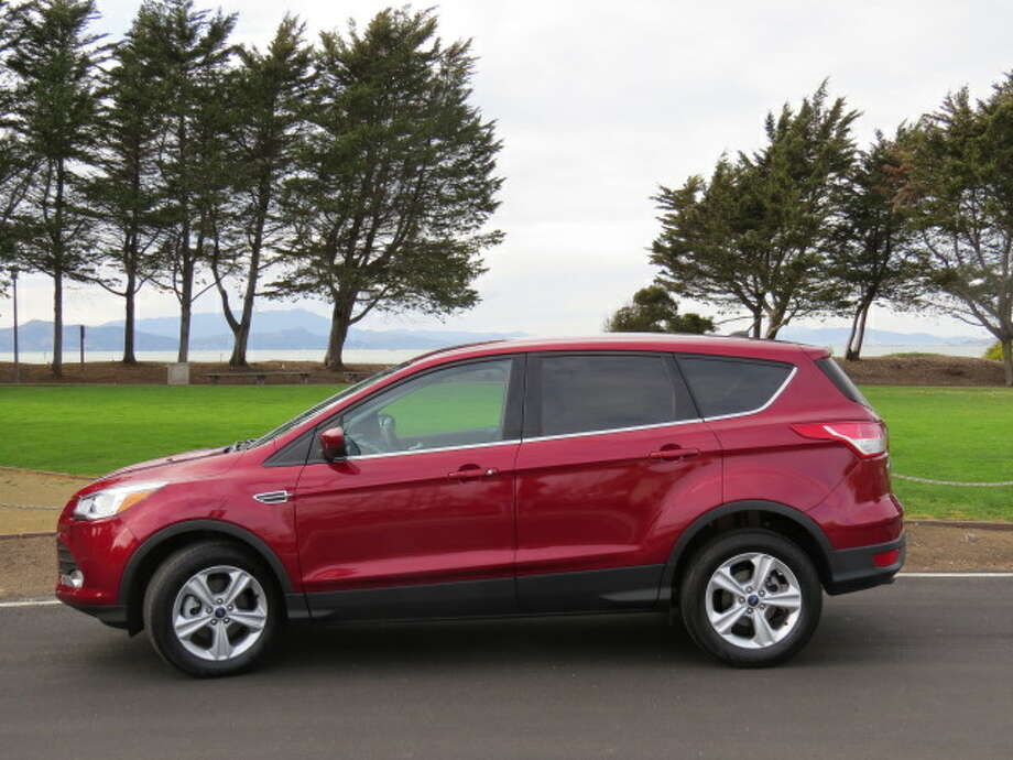In the department of fuel economy, the Escape gets 23 to 32 mpg, city/highway.