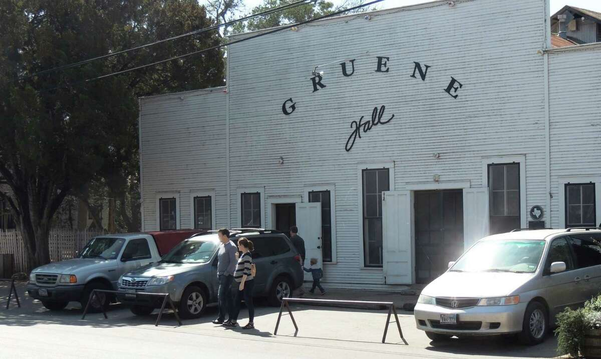 """How to pronounce words like a Texan Of course this native Texan knows how to pronounce the name of this iconic dancehall but newbies to Texas might not.It's """"green,"""" not """"groon,"""" as we once heard in a shop next door."""