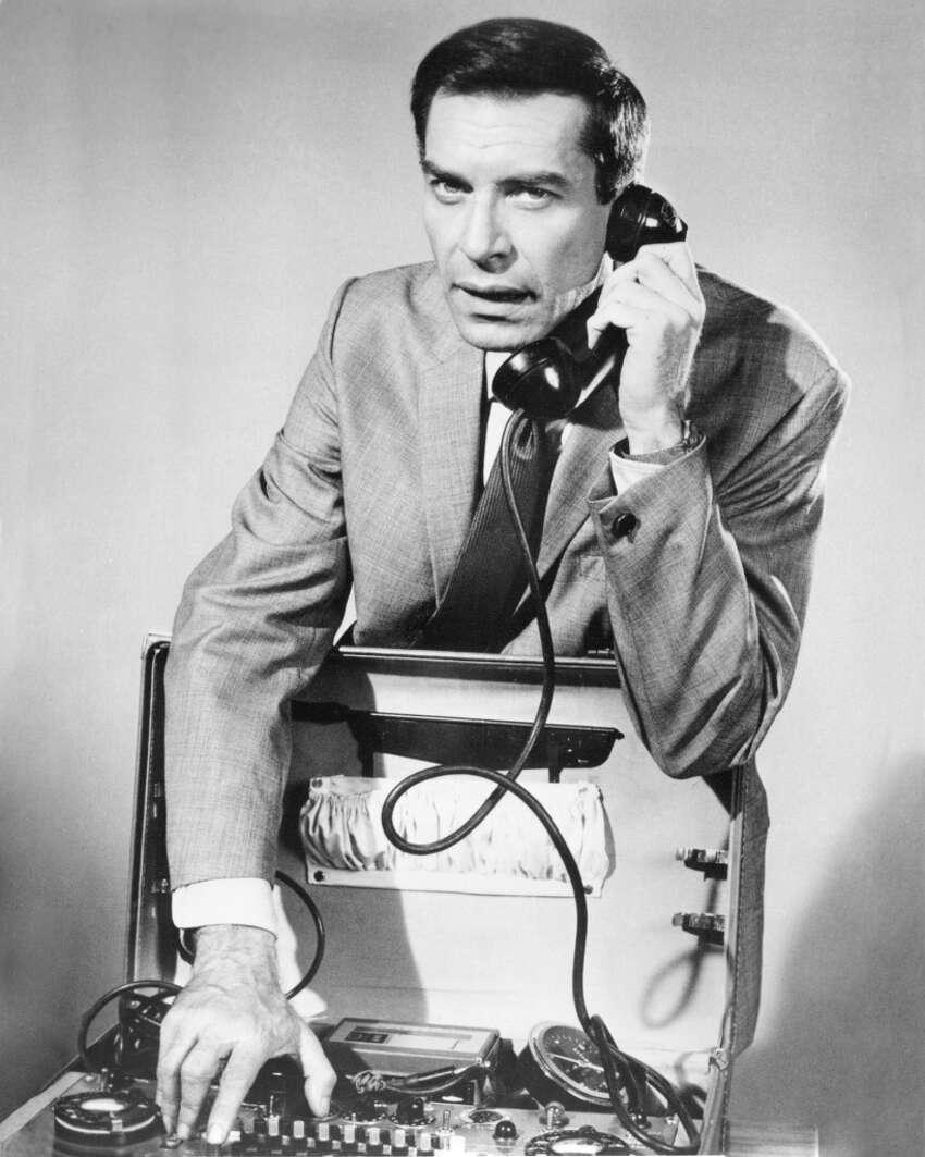 Martin Landau as agent Rollin Hand in the TV series