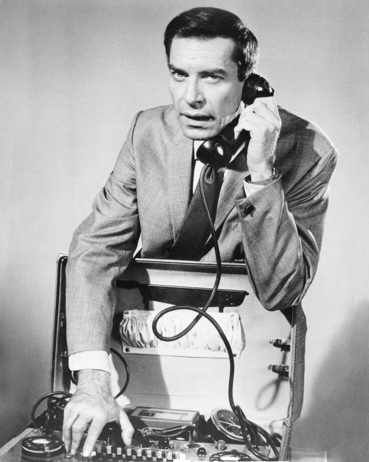 """Martin Landau as agent Rollin Hand in the TV series """"Mission: Impossible."""" Photo: Silver Screen Collection, Getty Images"""