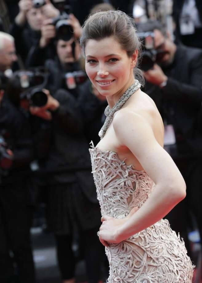 Jessica BielBiel attended Tufts University from 2000  to 2002. She was already an actress with roles under her  belt during this time like7th Heaven. - celebritytoob.com Photo: Virginia Mayo, Associated Press