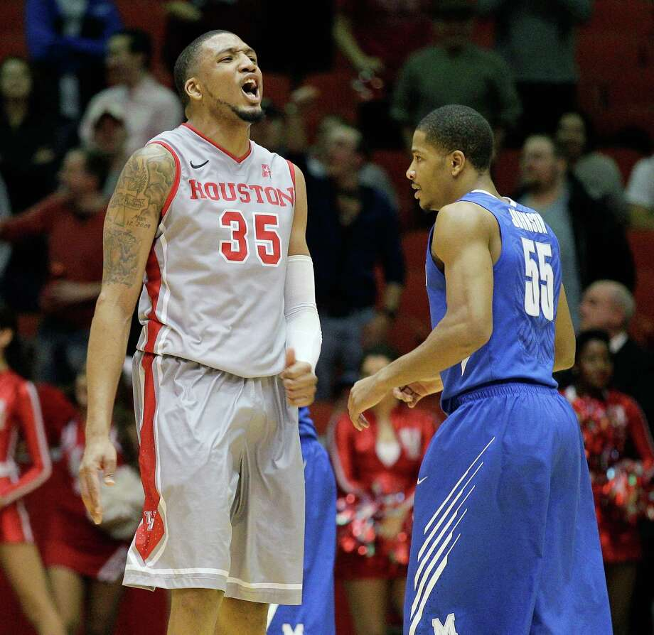 It was happy birthday for UH's TaShawn Thomas, who celebrated turning 21 by taking down No. 21 Memphis and Geron Johnson on Thursday night. Photo: BOB LEVEY, FRE / FR156786 AP