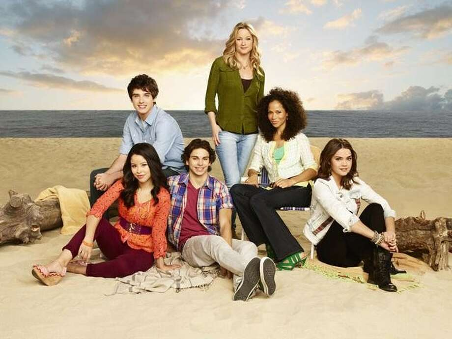 """""""The Fosters"""" ends its 1st season on ABC Family on Monday, March 24th at 8 p.m. Photo: Randy Holmes, ABC FAMILY / © 2013 Disney Enterprises, Inc. All rights reserved."""