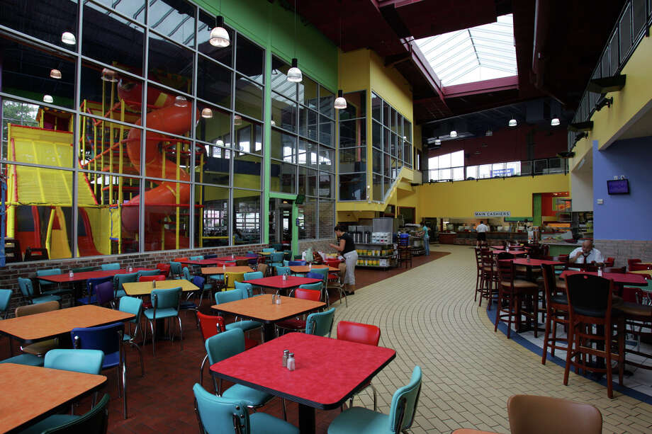 The new ChaCho's on Perrin-Beitel shown Wed. April 12, 2006. KEVIN GEIL/STAFF Photo: KEVIN GEIL, EXPRESS-NEWS FILE PHOTO / SAN ANTONIO EXPRESS-NEWS
