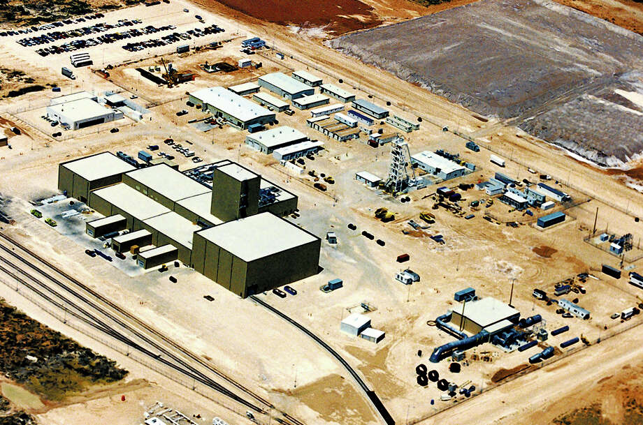 Back-to-back accidents and a radiation release at the Waste Isolation Pilot Plant have raised questions about a $5 billion federal cleanup program. Photo: Uncredited, MBR / Carlsbad Current Argus