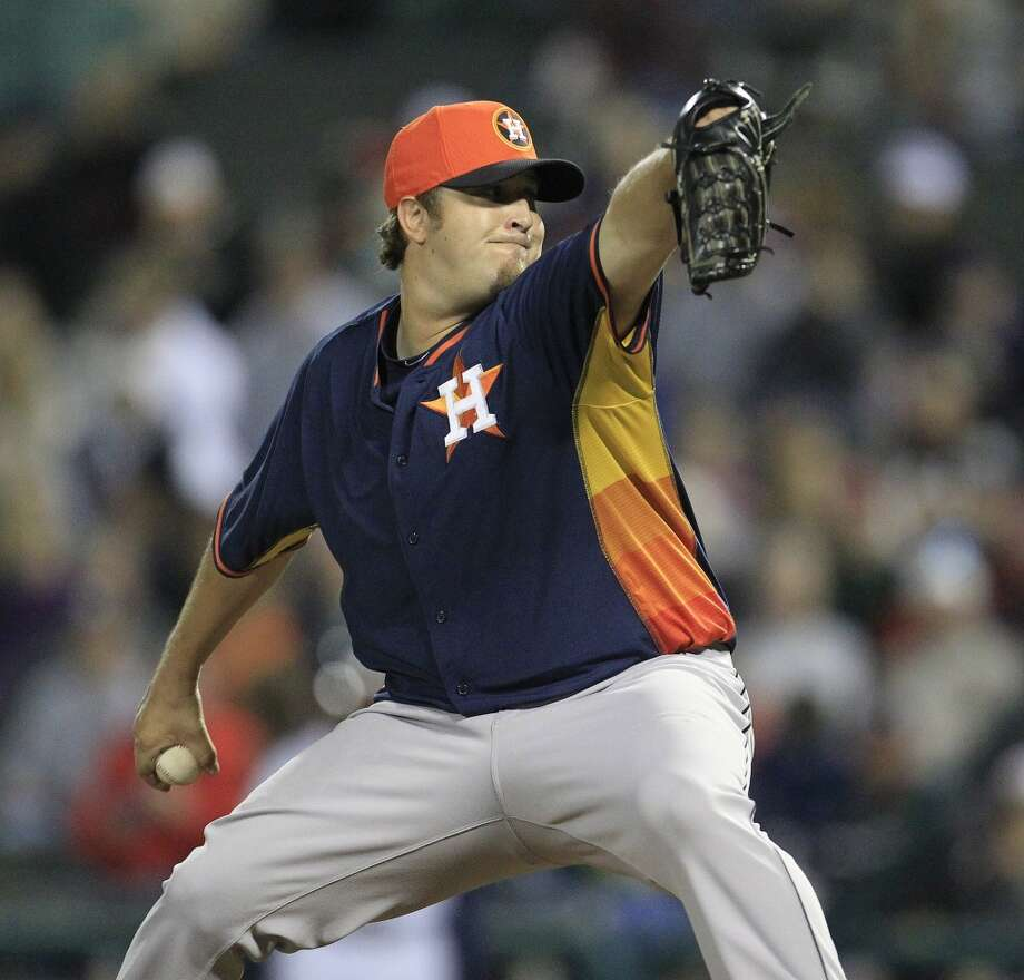Astros RHP Matt Albers pitches in the fourth inning. Photo: Karen Warren, Houston Chronicle