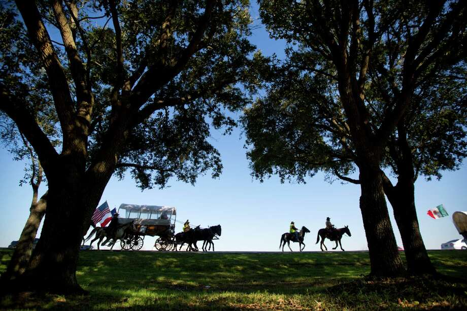 Los Vaqueros Rio Grande Trail Ride starts rolling in Hidalgo, down in the Valley. Its trek is the longest among the 13 groups that converge on Memorial Park. Photo: Marie D. De Jeséºs, Staff / © 2014 Houston Chronicle