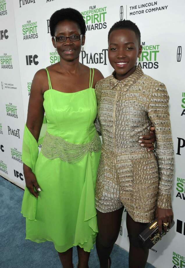Dorothy Nyong'o and her daughter, Lupita Nyong'o, arrive. Photo: Jordan Strauss, Jordan Strauss/Invision/AP / Invision