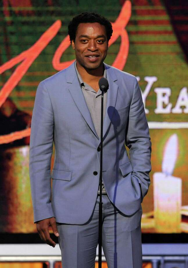 Chiwetel Ejiofor speaks on stage. Photo: Chris Pizzello, Chris Pizzello/Invision/AP / Invision