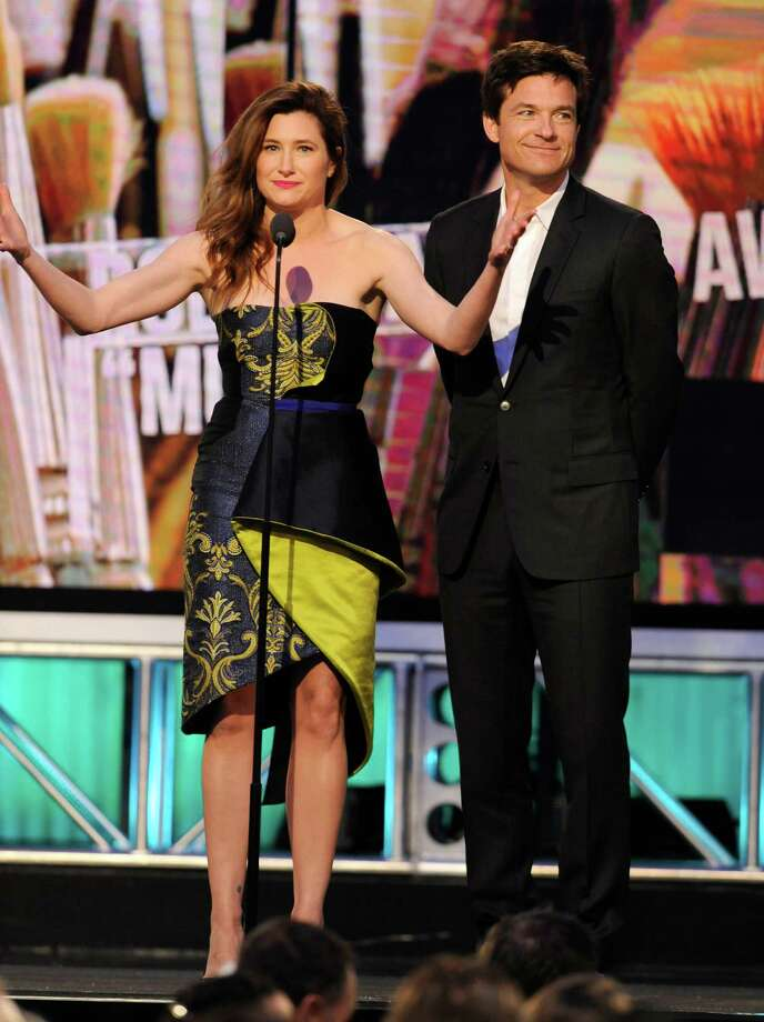 Kathryn Hahn, left, and Jason Bateman speak on stage. Photo: Chris Pizzello, Chris Pizzello/Invision/AP / Invision