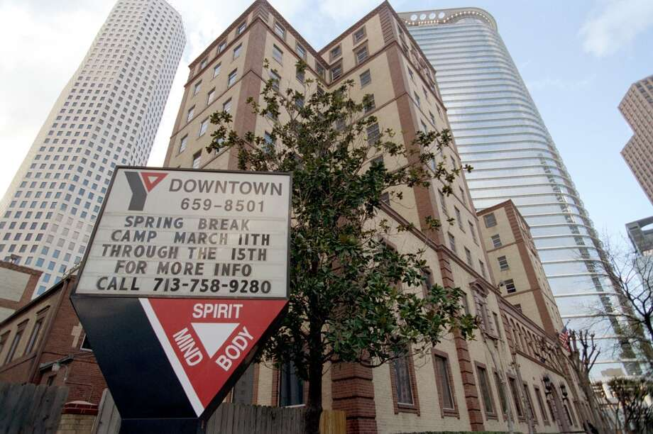 Chevron:  The company just put this project on hold, but it says it's still committed to building a 50-story skyscraper at 1600 Louisiana, adding to its other downtown buildings to create a corporate campus. Photo: Melissa Phillip, Houston Chronicle