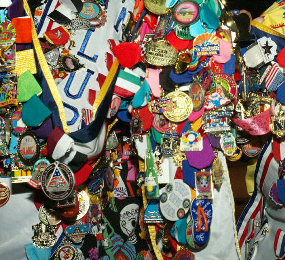 It's the first-ever San Antonio Express-News Fiesta medal contest. Photo: Express-News / File Photo / SAN ANTONIO EXPRESS-NEWS