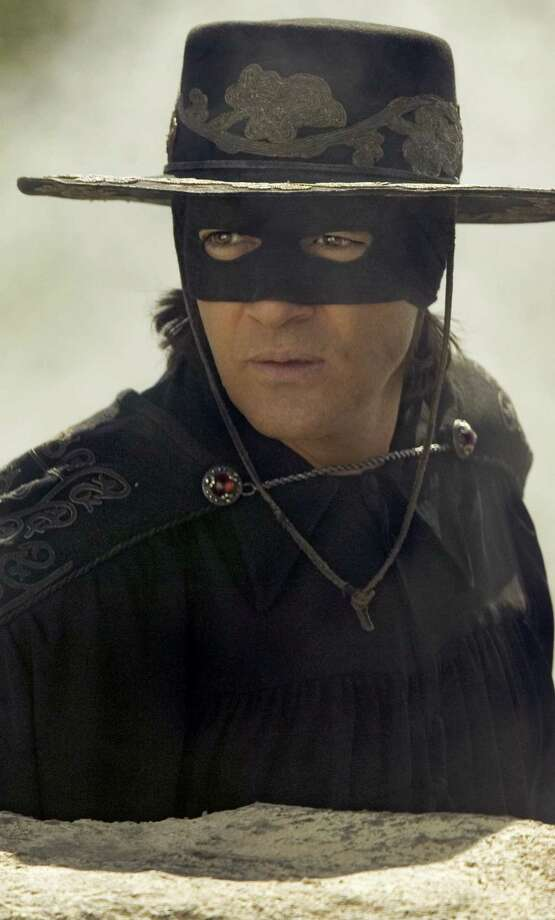 """""""Zorro,"""" as played by Antonio Banderas, sported the coolest mask of all-time. Photo: Andrew Cooper / Sony Pictures / ©2005 Columbia Pictures Industries, Inc. All Rights Reserved"""