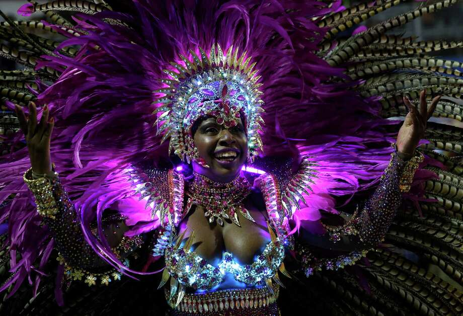 A dancer from the Nene de Vila Matilde samba school performs during a carnival parade in Sao Paulo, Brazil, Sunday, March 2, 2014. Photo: Andre Penner, AP / AP