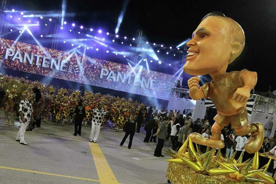 SAO PAULO, BRAZIL - MARCH 01: Gavioes da Fiel Samba School in Sambodromo during the Sao Paulo Carnaval on March 01, 2014 in Sao Paulo, Brazil. Photo: Getty Images / 2014 Getty Images