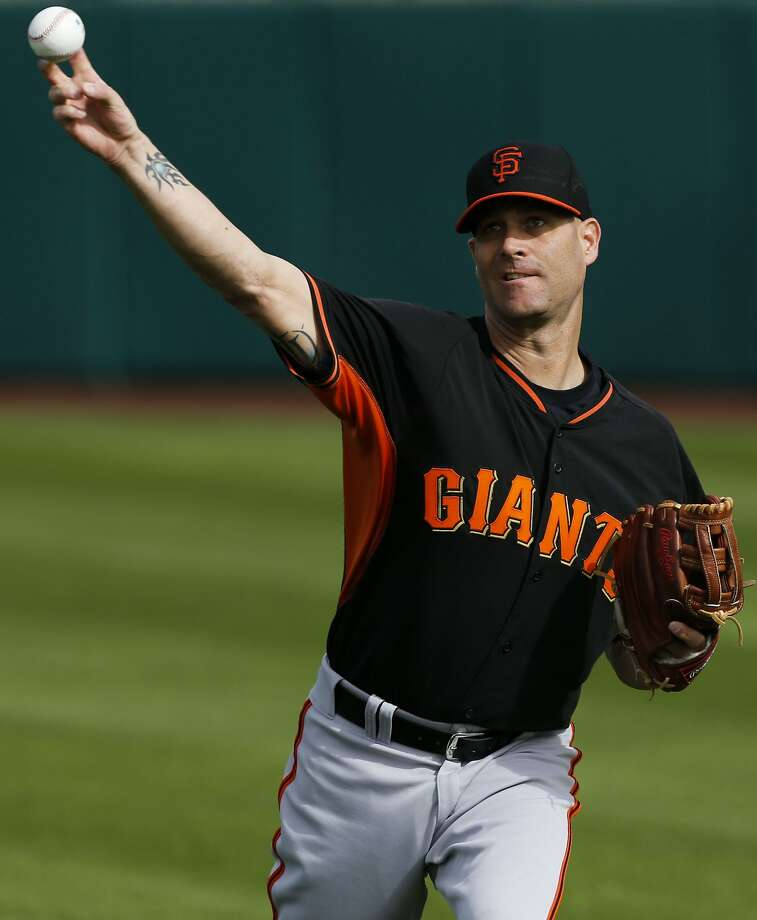 New Giants pitcher Tim Hudson says he is eager to give his three children a taste of city life. Photo: Michael Macor, The Chronicle