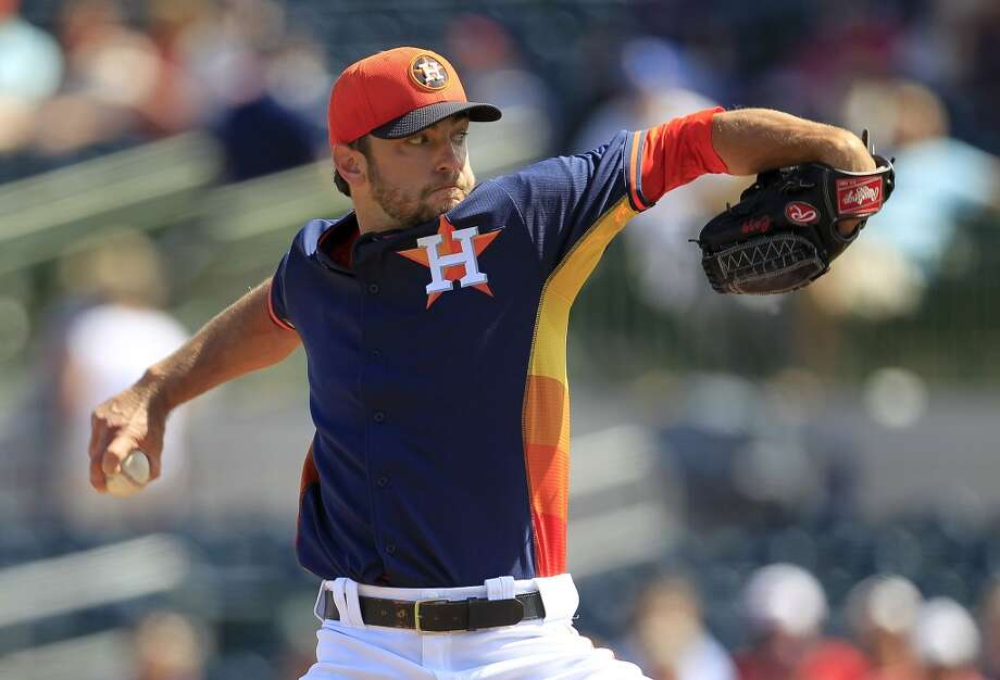 Jarred Cosart pitches in the first inning. Photo: Karen Warren, Houston Chronicle