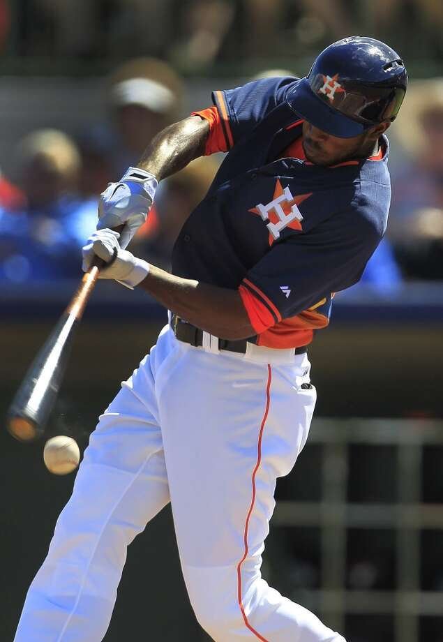 Dexter Fowler at bat in the first inning. Photo: Karen Warren, Houston Chronicle