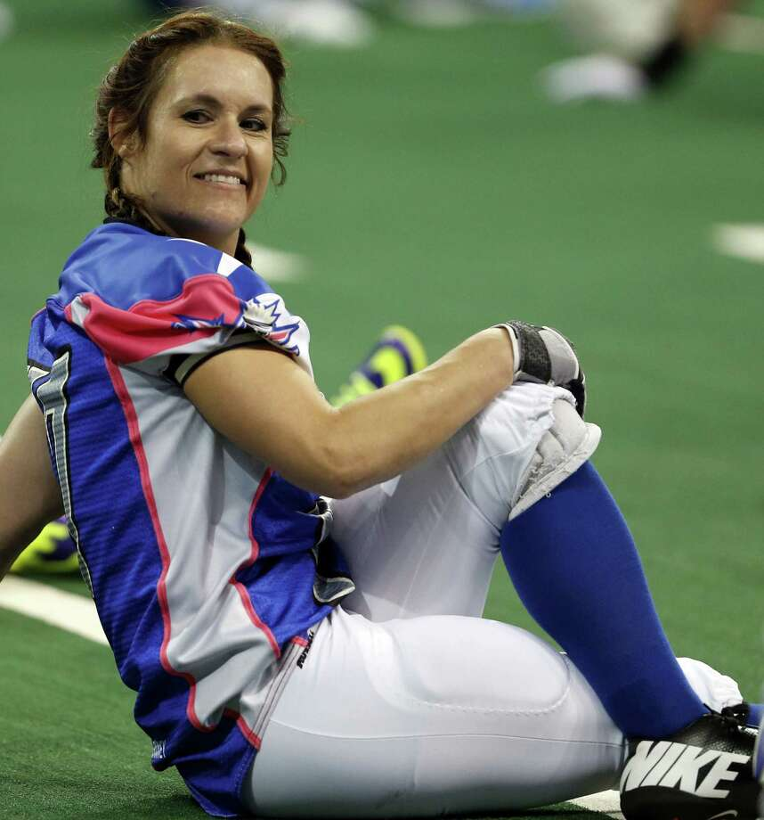 Texas Revolution's Jennifer Welter warms up for a game last month. / TThe Dallas Morning News