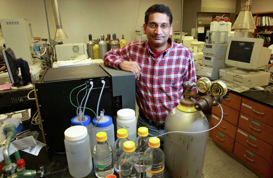Shankar Chellam, a University of Houston professor, will be studying the effects African dust had on the air quality along the Ship Channel in 2013. Photo: Melissa Phillip, Staff / © 2014  Houston Chronicle