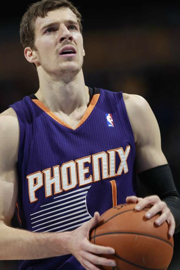 13. Phoenix Suns (35-24)   February ranking: 9  January ranking: 9  December ranking: 12  Preseason ranking: 29  Goran Dragic began February as the Western Conference player of the week and ended it with his career-high scoring game twice in a week. While he has had a career year, Eric Bledsoe should be back for the stretch run. Photo: David Zalubowski, Associated Press