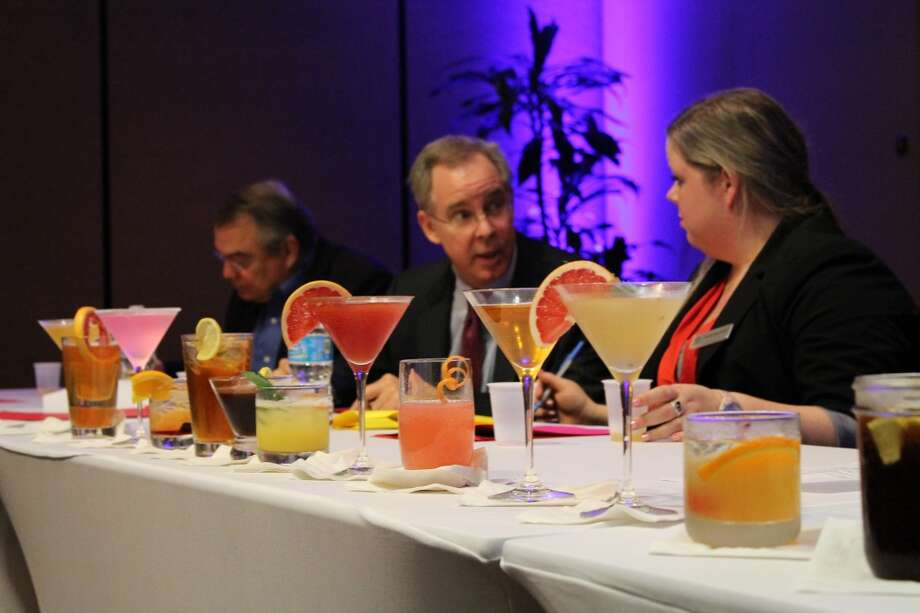 Judging the cocktail challenge for the Wyndham Houston West Energy Corridor's Ten Bar & Lounge. (Photo: University of Houston)