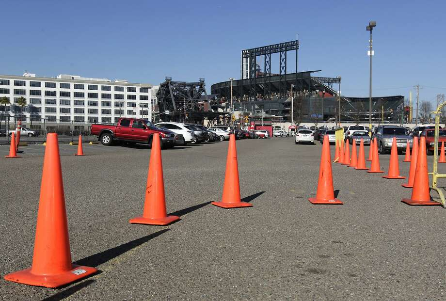 The Giants and Warriors are both said to be open to discussing putting a new arena on Parking Lot A next to AT&T Park. Photo: Paul Chinn, The Chronicle