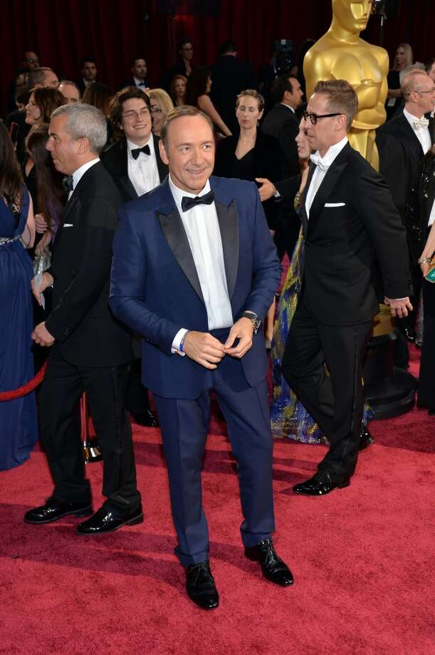 Actor Kevin Spacey stands out in this suave navy tux by Burberry. Photo: Michael Buckner, Getty Images