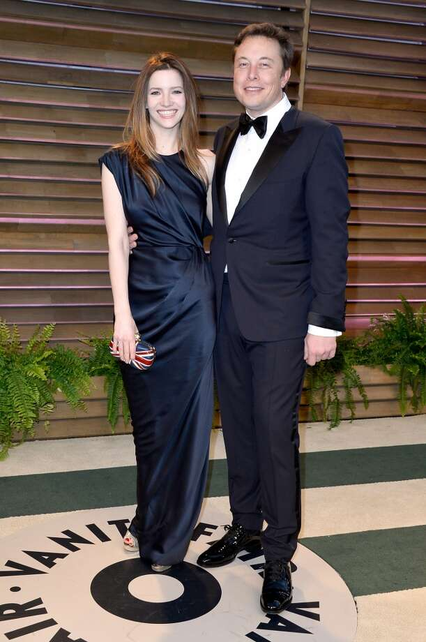 Actress Talulah Riley (L) and CEO of Tesla Motors Elon Musk attend the 2014 Vanity Fair Oscar Party hosted by Graydon Carter on March 2, 2014 in West Hollywood, California. Photo: Pascal Le Segretain, Getty Images