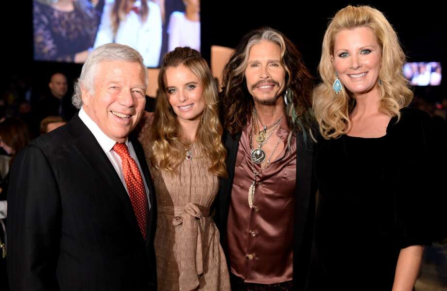 (L-R) New England Patriots owner Robert Kraft, Ricki Noel Lander, singer Steven Tyler, and TV personality Sandra Lee attend the 22nd Annual Elton John AIDS Foundation Academy Awards Viewing Party at The City of West Hollywood Park on March 2, 2014 in West Hollywood, California. Photo: Dimitrios Kambouris, Getty Images For EJAF