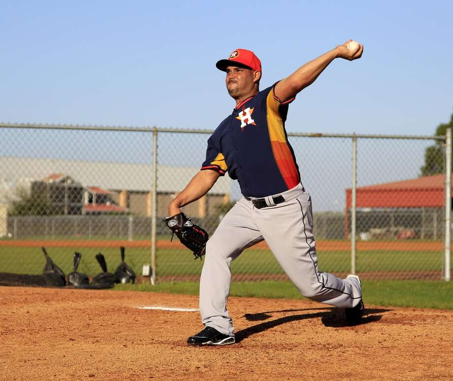 Raul Valdes pitches off the mound at the Osceola County Stadium on Monday. Photo: Karen Warren, Houston Chronicle