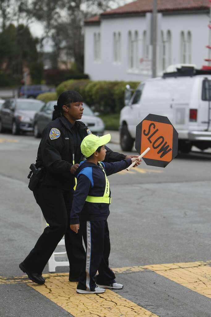 School crossing guard program takes step toward safer streets - SFGate
