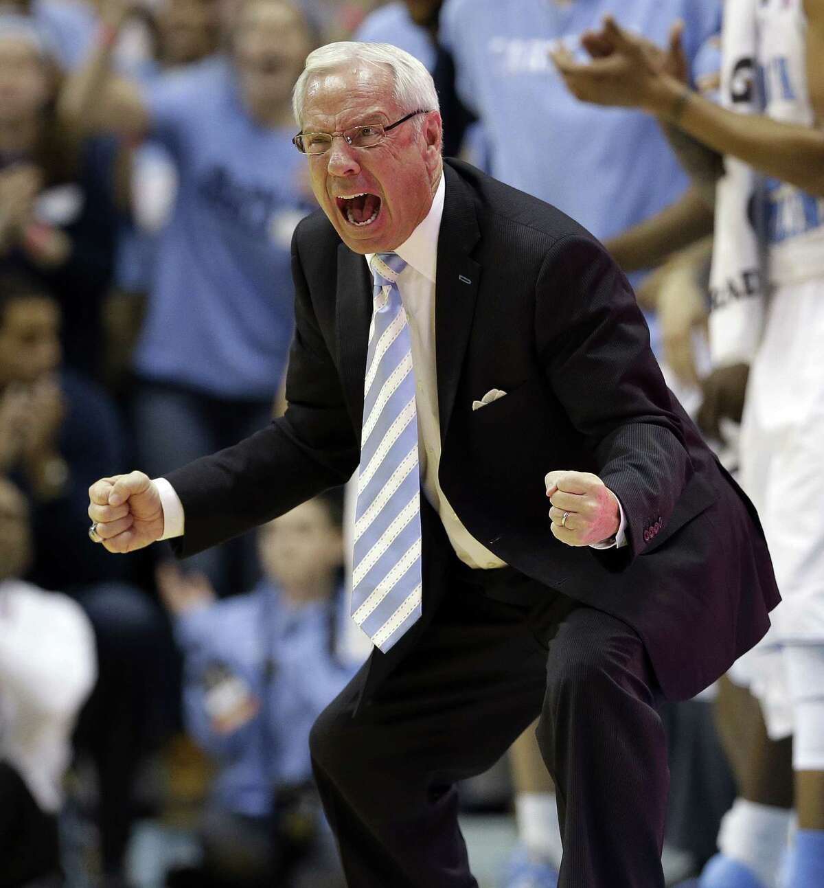 Roy Williams exults during North Carolina's 63-61 win over Notre Dame for the Tar Heels' longest win streak since '08-09.