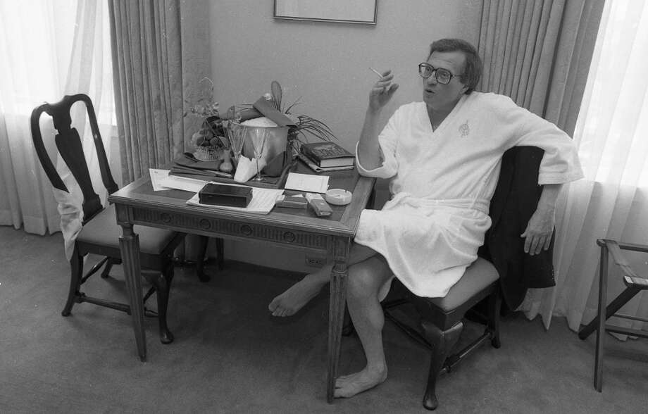 Who needs to wear clothes for an interview? Not Larry King in 1986. The radio/TV host wore a bathrobe when he met with reporter Ben Fong-Torres and photographer Deanne Fitzmaurice. He's like a Hefner in terry cloth. Photo: Deanne Fitzmaurice, The Chronicle