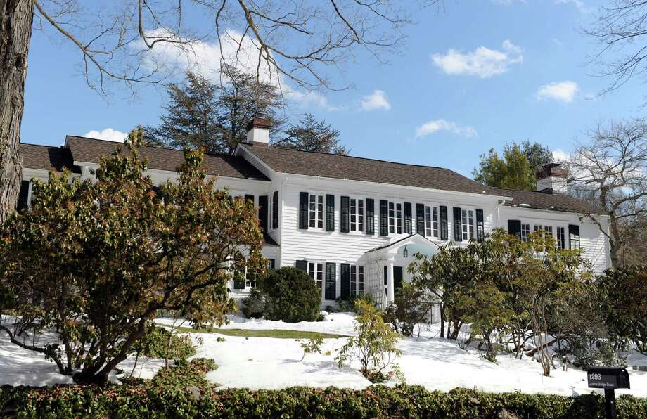 A home for sale at 1293 Ponus Ridge Road in New Canaan, listed with Realtor Jill Wippern. Photo: Autumn Driscoll / Connecticut Post