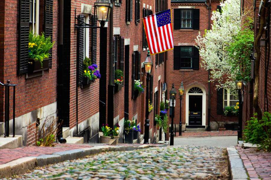 10. Boston, MassachusettsPercent saved by buying: 30 percentMedian home price: $435,000Median rent: $2,550 Source: Fortune