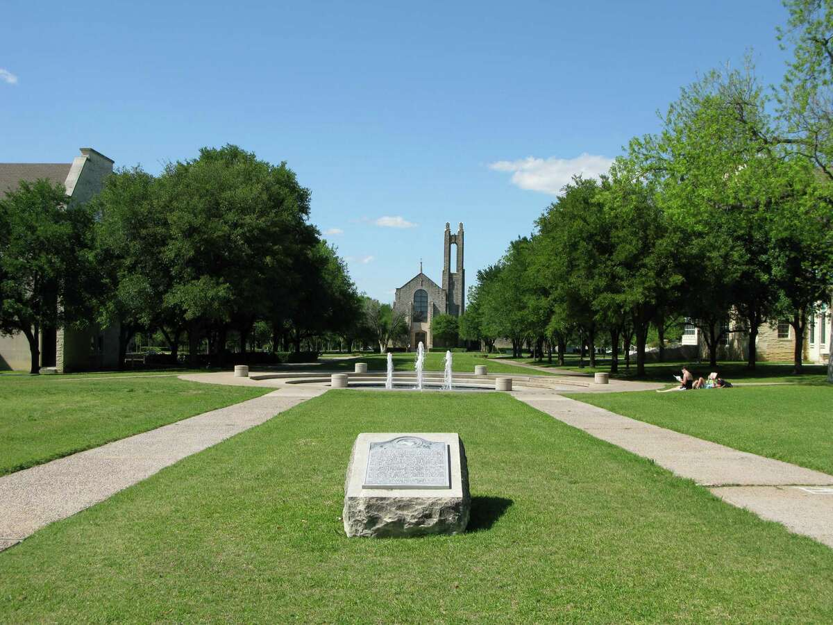 Southwestern University Violent crime incidents per 100,000 students:0 Number of violent crimes in 2016:0