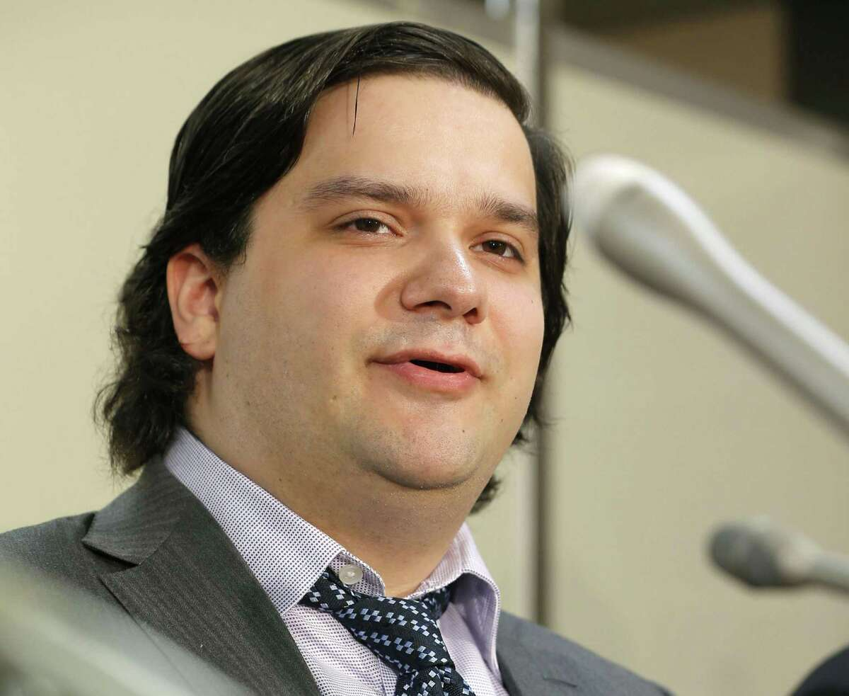 Some leaders get you out of a crisis, some bury you deeper. Count these executives among the latter. Mt. Gox CEO Mark Karpeles is quickly becoming the face of cryptocurrency concerns. He took over the Tokyo-based exchange in 2011 and oversaw it as bitcoin's value surged. Then something went wrong. The site filed for bankruptcy protection in February 2014. Karpeles said that 750,000 bitcoins deposited by users and 100,000 bitcoins belonging to the exchange disappeared, for a loss of about $425 million. Karpeles has blamed theft through hacking for the loss. Mt. Gox is now the target of a class-action lawsuit filed in a U.S. federal court claiming that users were not sufficiently protected. Karpeles is one of many chief executives in the spotlight -- for all the worst reasons -- recently. Let's take a look at some other CEOs who have held their grips on the top.
