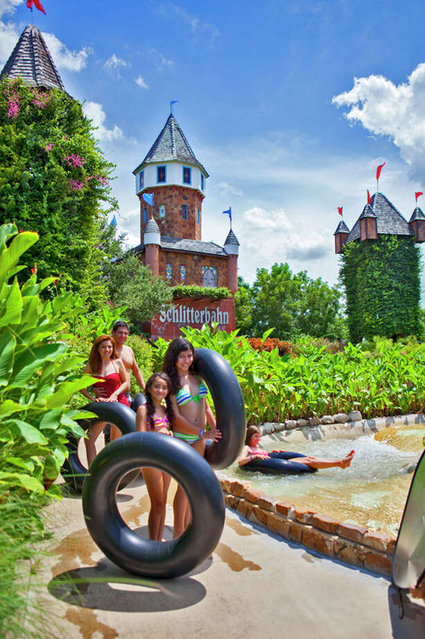 Unlike many other theme parks, visitors at Schlitterbahn are allowed to bring in their own outside food and drinks. Photo: Harrison, Copyright: Heather Harrison Photography / Copyright: Heather Harrison Photography