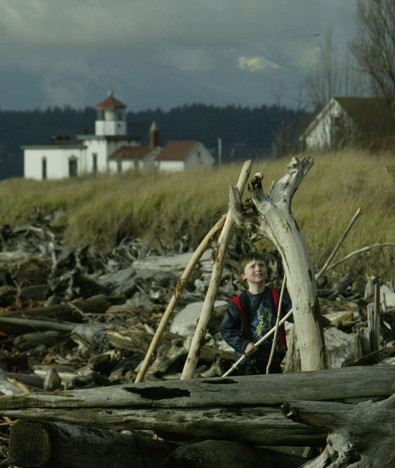 Go: Discovery ParkHike the loop trail, visit the beach, take the kids and dogs. Photo: ANDY ROGERS, Seattlepi.com File Photo / SEATTLE POST-INTELLIGENCER
