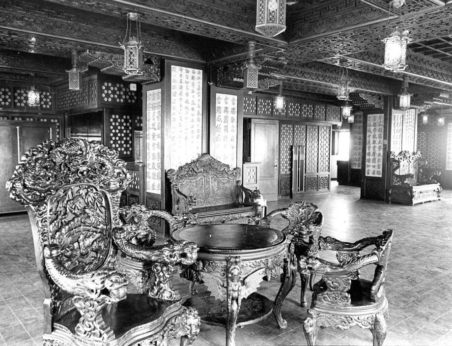 """Go: Smith Tower Chinese RoomThe 35th floor of Seattle's onetime-tallest building contains the """"Chinese Room,"""" which includes a public observation deck. The furniture, 17th century silk paintings and hand-carved ceilings were gifted by Empress Cixi to the Smith family. Photo: Seattlepi.com File Photo"""