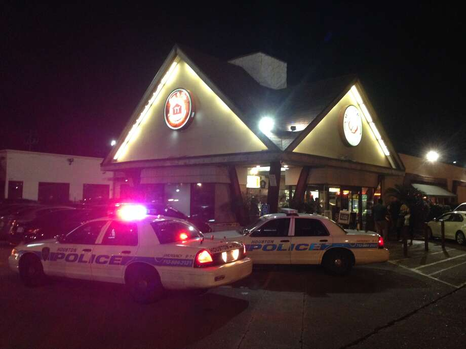 Armed robbers burst into the popular House of Pies along Westheimer late Thursday. Photo: Mike Glenn, Chronicle