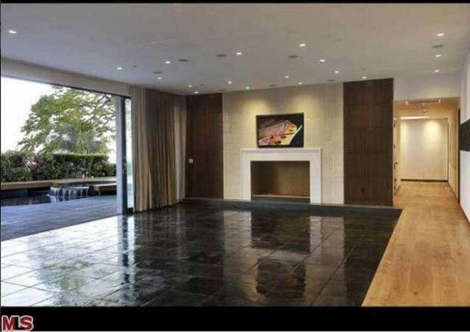More glass, gloss.  Photos: MLS/Yahoo Homes
