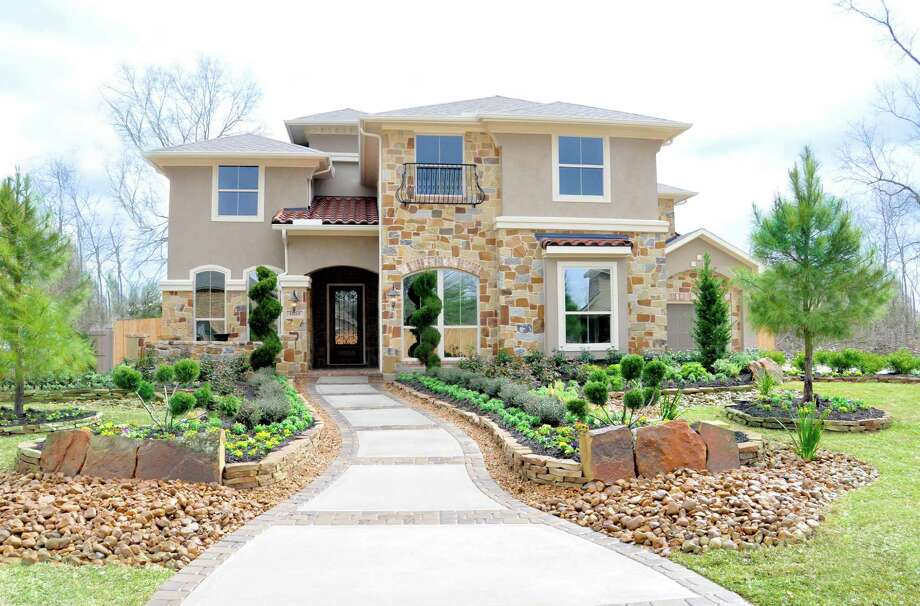 It's last call for Village Builders homes on 75-foot homesites in Summerwood. The builder's final seven homes are ready for quick move-in. Shown is the Tillman model in the Summerwood Model Home Village. / 2011 FrenchBlue Photography