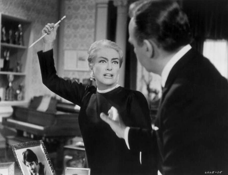 It's the late Joan Crawford. Photo: Hulton Archive, Getty Images / 2008 Getty Images