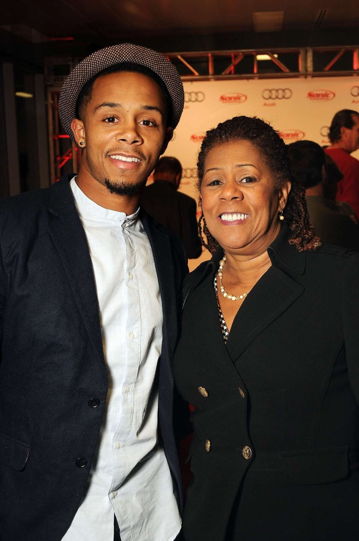 Houston Texan De Vier Posey and his mother Julie Posey (Photo by Dave Rossman/For the Chronicle)