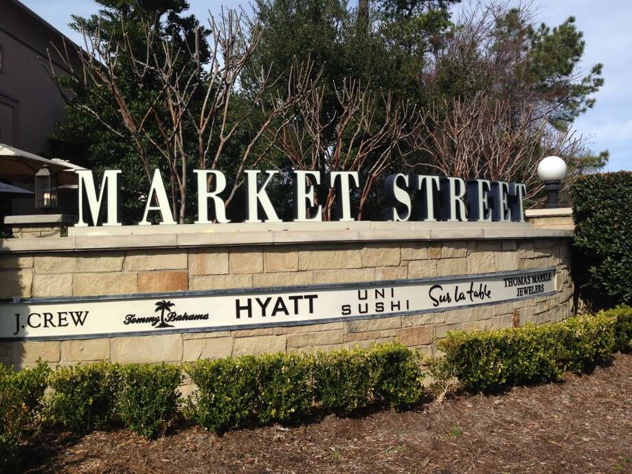 Market Street - The Woodlands houses specialty boutiques and restaurants. Photo: Katherine Feser, Houston Chronicle